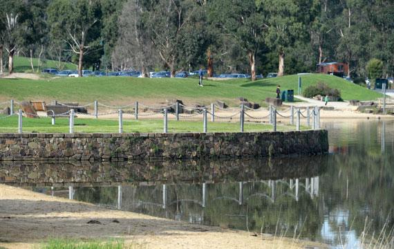 Lillydale Lake Bicentennial Park Landscape